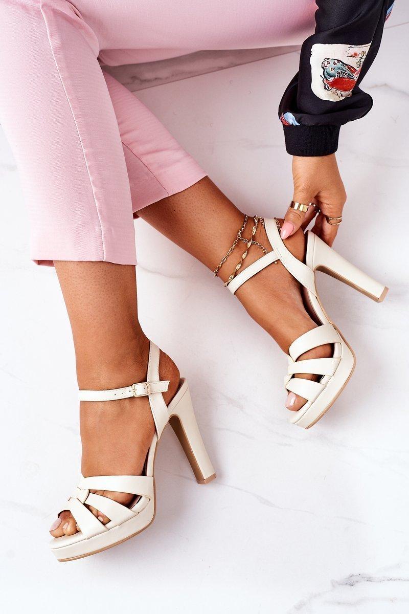 Elegant Sandals On A Block Heel Beige Anastasia