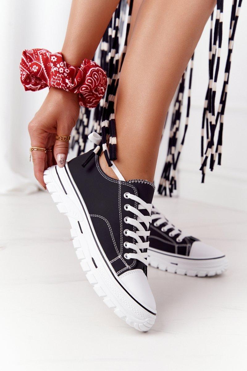 Women's Classic Sneakers Black Feeling Good